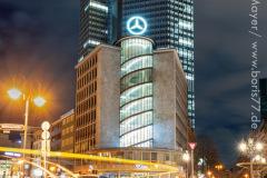 Das Junior-Haus bei Nacht in der Frankfurter City