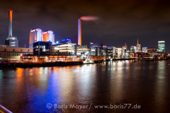 Das Heizkraftwerk im Westhafen bei Nacht